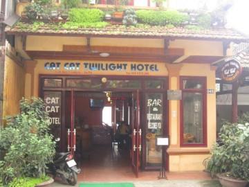 cat-cat-twilight-hotel