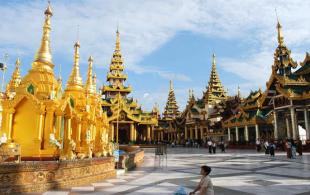 Chùa Phat vang