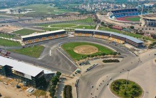 a_view_of_the_ha_noi_f1_circuit_